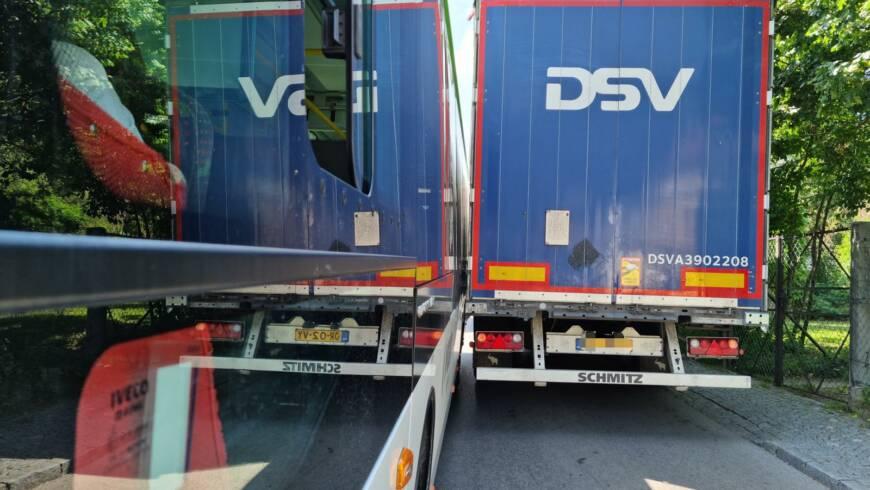 Technischer Einsatz – Fahrzeugbergung Engstelle Kirchenplatz